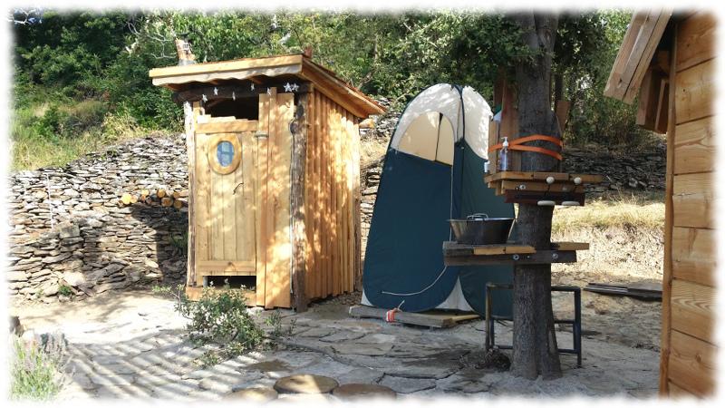 Dome-toilettes-douche-lavabo-lauze