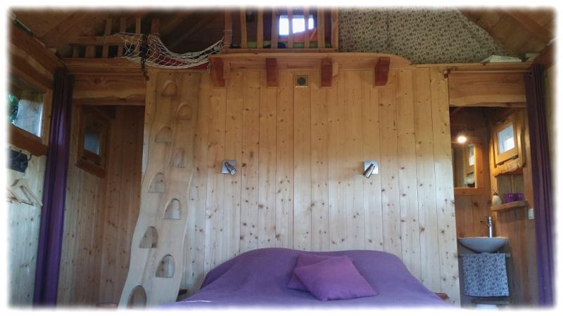 cabane-arbres-lit-mezzanine tree house