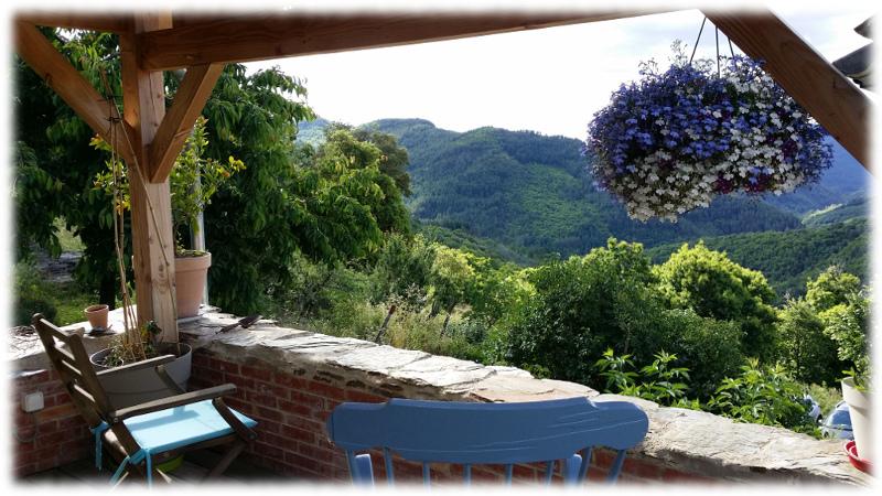 hebergement-oustaou-terrasse_rockinchair